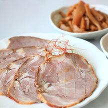 Red tea braised pork