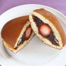Strawberry dorayaki