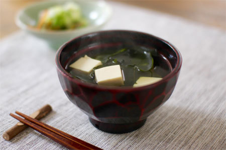 Clear Wakame & Tofu Soup Recipe - Japan Centre